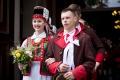 Wesele Kurpiowskie: barwny korowód z nowożeńcami i Miss Polski (zdjęcia, wideo)