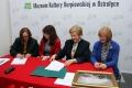 Umowa na rewitalizację Muzeum Kultury Kurpiowskiej podpisana (zdjęcia) - szkic