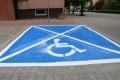 Niebieskie miejsca parkingowe dla niepełnosprawnych (zdjęcia)
