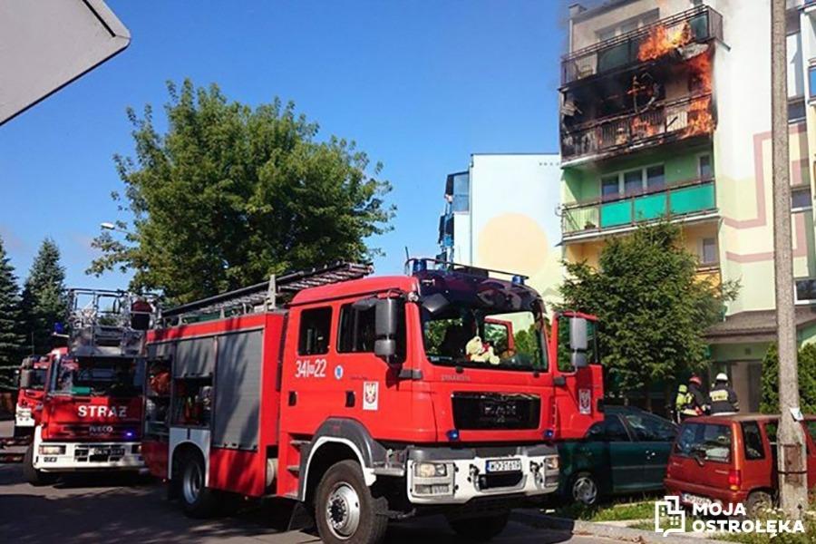 Zaprószenie Ognia Przyczyną Pożaru Mieszkania Zdjęcia Moja